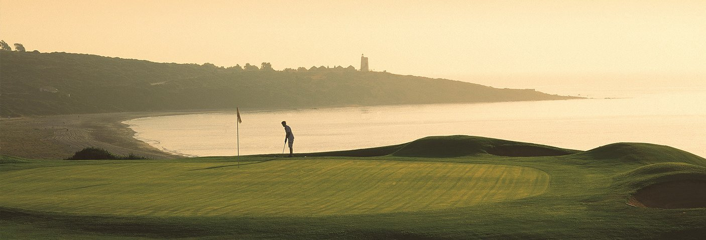 Imagen de: Alcaidesa Links - Alcaidesa Links Golf Resort | Campos de golf con  vistas al mar, Gibraltar, África en el área de Sotogrande.